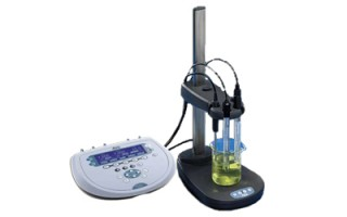 Laboratoryjne mierniki pH i przewodności